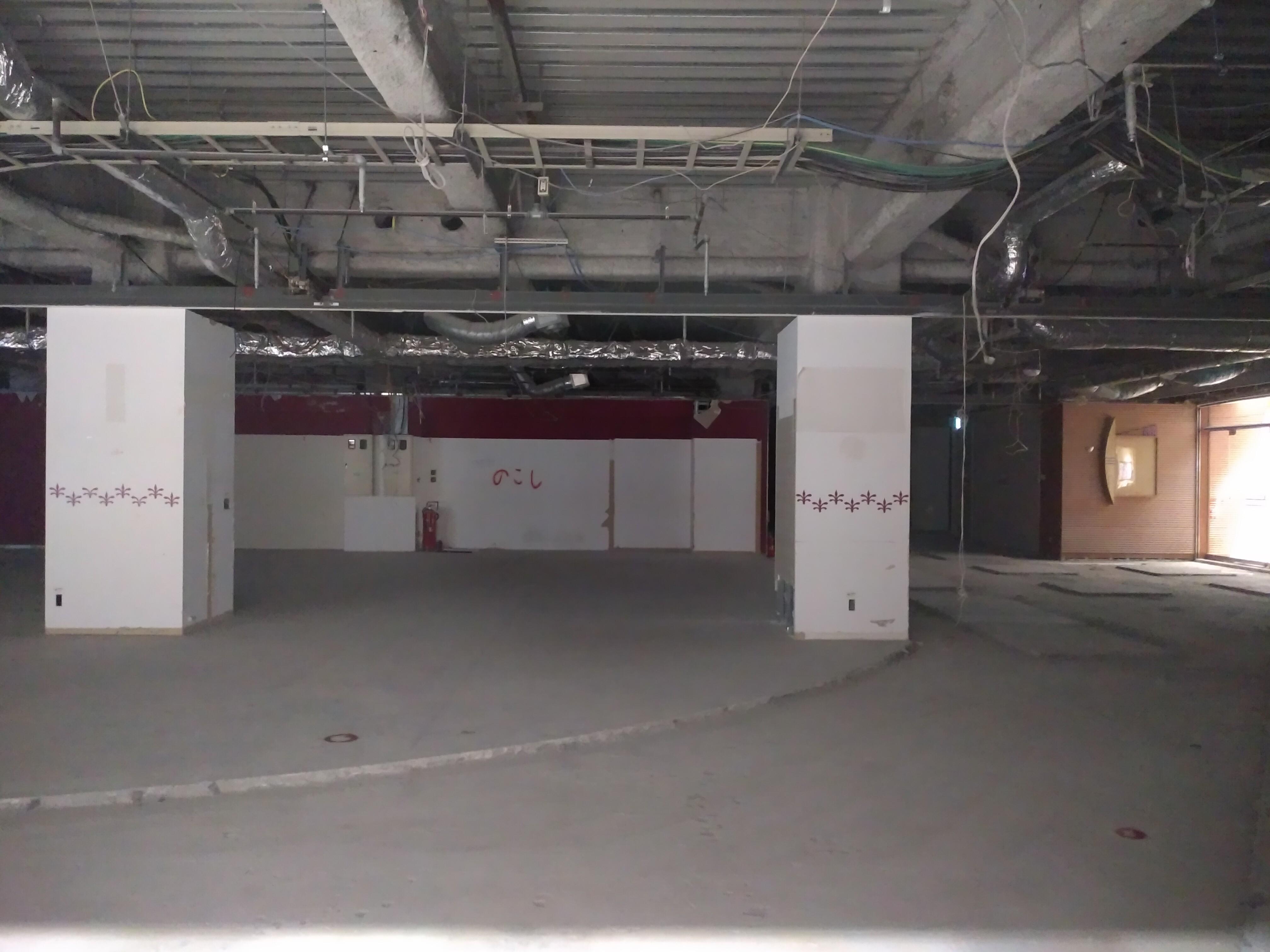 《珍事》Rink3階のシャッターが開く